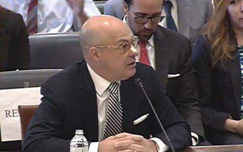 "CFTC主席:对区块链的监管""落伍""了"