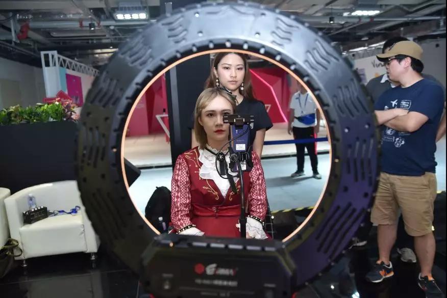 中国首款AI偶像问世 SNH48进军人工智能领域
