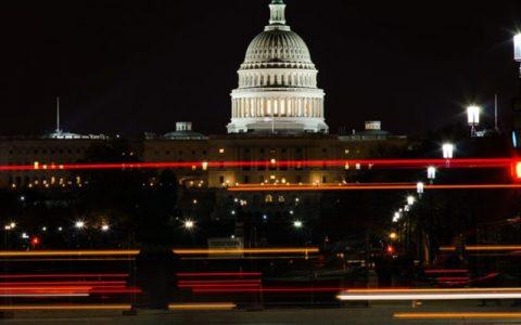 15位国会议员要求SEC详细说明加密货币和ICO指导方针