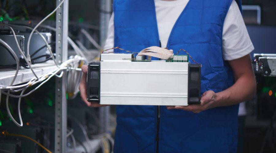 Ebang推出新的节能比特币芯片矿工系列产品