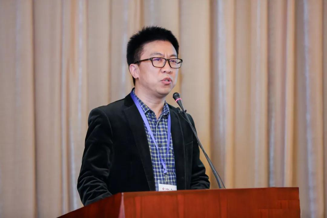 快讯:亿书创始人朱志文先生应邀出席中国数字出版创新论坛大会